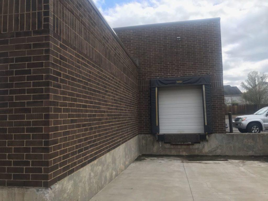 loading dock for rent in Mundelein